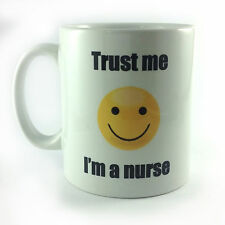 Nuevo créeme soy enfermera sonriente cara emoji Taza Taza Regalo Presente Santa Secreto