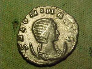Roman bronze Antoninianus of  Salonina  253-268 AD. good very fine condition