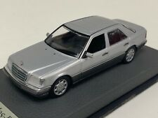 1/43 Minichamps Mercedes E class W124 1985 in Silver on Leather base A1041