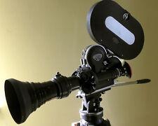 ARRIFLEX 16 S S/B avec zoom Angenieux 12-240 mm f:3.5 Arri 12 V entièrement fonctionnel!