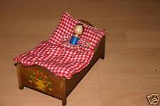 Puppenstubenzubehör altes Schlafzimmer Holz Bett Bauernbett+Puppe+rotes Kissen