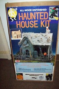 1989 All-Wood Unfinished The Haunted House Dollhouse Kit Green leaf        3174
