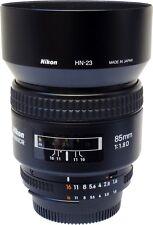 Nikon 85mm F1.8 e obiettivo AF D cappuccio.