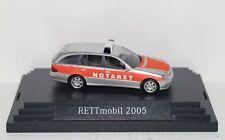 "Mercedes-Benz E-Klasse S211 Notarzt ""RETTmobil 2005""  1:87 PC + OVP (R2_3_25)"
