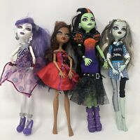 Monster High 4 Dolls Wolf Clawdeen Casta Fierce Frankie Stein Spectra Clothes