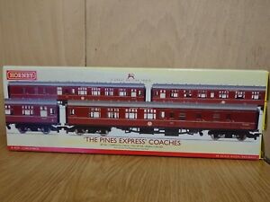 Hornby R4229 The Pines Express 3 x Coach Pack