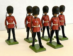 Vintage BRITIAN LIMITED  1986 English Guard Figurine Toy Soldiers Lot of 6 Rare