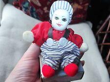 Petite poupée en peluche corps peinte à la main porcelaine tête avec boite de alles gute Bonbons