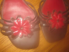 KELLY & KATIE BROWN & RED SANDALS WITH CUT FLORAL DESIGN SZ 8.5M MINT CONDITION!