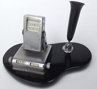 Vintage Art Deco Style Flip Perpetual Desk Calendar Chrome Plated on Black Stand