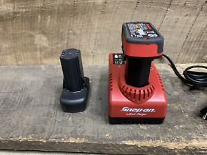 Snap On CTC772 7.2/14.4 Charger W/ 2 Batteries CTB8172 & CTB8174