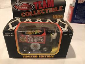 (1) Chicago Blackhawks mini zamboni 1999 NIB