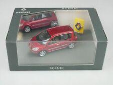 Universal Hobbies 7711224026 Renault Scenic 2003 red metallic 1/43 + Box 516227