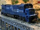 HO Scale Athearn U33B Diesel Locomotive CONRAIL professionally weathered WOW!