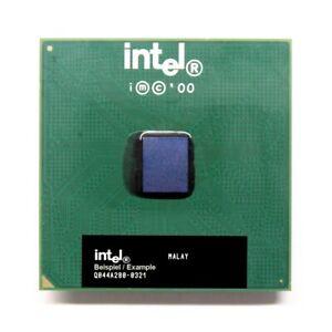 Intel Pentium III SL4CE 800MHz/256KB/100MHz FSB Prise/Socle 370 CPU Processor