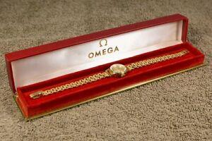 Damen-Armbanduhr von OMEGA - 18K (750) Gold - 25g - Kaliber 620 - inkl. Etui