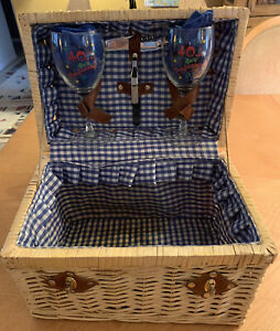 Botanica Picnic Time Wine Woven Wicker Picnic Basket 2 Person Set Handle Lined