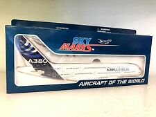 Skymarks 1:200 Airbus A380 House Colours a plastic snap fit model (with gear)
