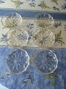 6 Dessertschalen aus Glas oder  Kristall