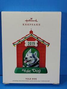 Hallmark Keepsake 2019 Yule Dog Dated Dog House Photo Frame Ornament Brand New