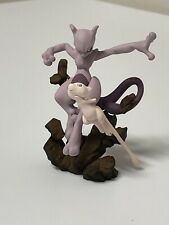 Pokemon Mew And Mewtwo figure