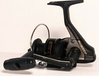 Shimano FX2000F Spinning Fishing Reel Works Great