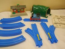 thomas the train tomy friends beginners set track station tunnel tank engine