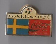 Pin's Italia 90 / Coca Cola / drapeau Suède