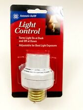 Dusk to Dawn Light Activated Socket for Lamps and Fixtures Automatic On/Off