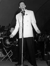 FRANK SINATRA 8x10 PICTURE YOUNG SINGER ON STAGE PHOTO