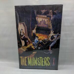 New in Sealed Box The Munsters Living Room Scene #5013 Model Kit 1997