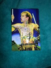 BLINK 182 RARE HAND SIGNED TRAVIS BARKER PHOTO WITH COA AUTOGRAPH
