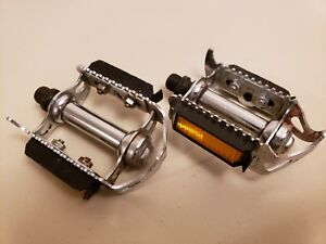 "Bicycle Pedals..9/16"" Spindles..Road Bike..Beautiful...Touring...Reflectors"