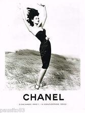 PUBLICITE ADVERTISING 065  1995  CHANEL  haute couture  en noir & blanc