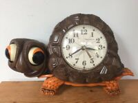 Vtg 1970s New Haven Burwood Big Eyed Turtle Battery Operated Wall Clock WORKS
