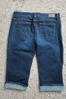( Womens size 6 M, Levis  stretch blue denim jeans Bermuda  slim cropped shorts