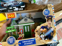 BRAND NEW BOXED Postman Pat greendale station with Figures - Ideal Present
