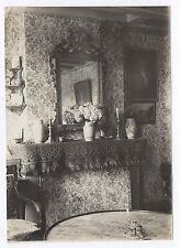 PHOTO ANCIENNE Tapisserie Intérieur Cheminée Miroir Bouquet de fleurs Vase 1900