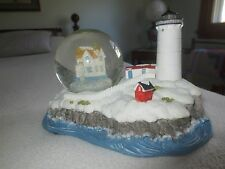 """Westland BY THE BEAUTIFUL SEA Musical GLOBE & Lighted LIGHTHOUSE - 7 1/4"""" x 5"""""""