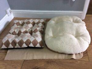 2 x Dog cushions beds, 50 x 40 cm diamond pattern, coffee, cream & violet