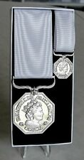 Canadian The Queen Elizabeth II  Polar Medal Full & Mini Size Replacement