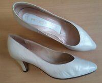 Damen Schuhe Pumps Peter Kaiser Gr 38,5 UK 5,5 G weiß Leder guter Zustand