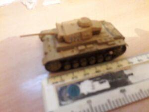 PLASTIC GERMAN DAK TANK vechicle armour DESERT WAR WW2 1/72nd 20mm PAINTED USED