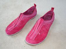 """Women's Red Suede Merrell  """"Scarlet"""" Zip Up Shoes Size 10.0 - EUC !"""