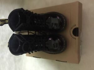 DR MARTENS *NEW* BROOKLEE Black Bright Boy Lace Up Boot 8