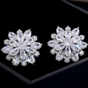 Cute Circle Round Flower Design Diamonte / Diamante Clear Stud Earrings - NEW!!!