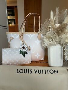 Louis Vuitton Neverfull Summer By The Pool