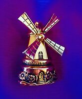 1940s CORO PEGUSUS Articulated Windmill Gold Tone w/Antiquing Brooch Pin Figural