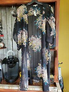 Maurices XXL Black Short Sleeve Floral Kimono NWT