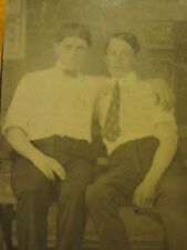 ANTIQUE YOUNG AMERICAN MEN CHAPS CASUAL POSE ARTISTIC FUN GAY INT TINTYPE PHOTO